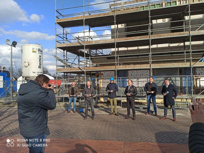 Eerste steen gelegd nieuwbouw MFC De Boerhoorn Rolde